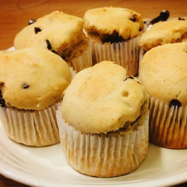今日はおウチマフィン焼きました。お仕事ない日にかぎってすごく作りたくなるんですよね。#おやつ #ヴィーガン #乳製品を使わない #マフィン #muffin (Instagram)