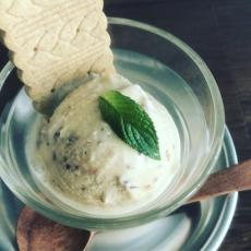 ラムレーズンアイスクリーム始めました。