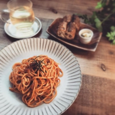 トマトバジルのパスタオリジナルハーブオイルを使って仕上げています。パスタは不動の人気ですね。#上尾カフェ #ハーブティー専門店 #パスタ #トマトバジル (Instagram)