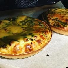 カリフラワーの味噌チーズ炒めキッシュ