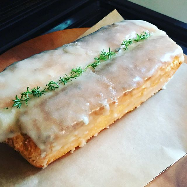 地元産レモンのパウンドケーキ🍋は明日までとなります。なくなり次第終了です。ランチのミニデザートにもつけられます#パウンドケーキ #レモンケーキ #アイシング #上尾カフェ #デザート #スイーツ (Instagram)