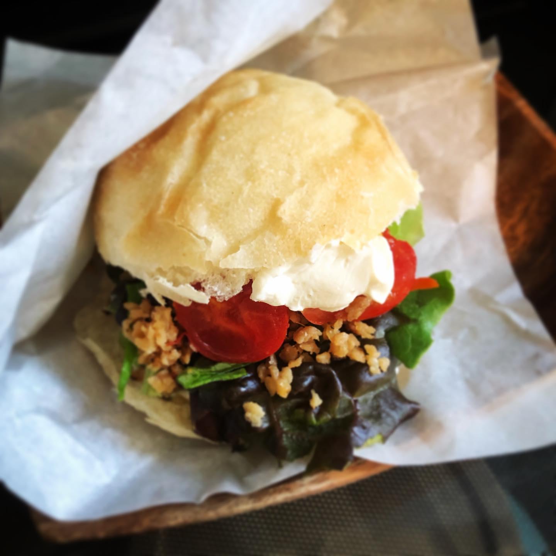 大豆ミートのヴィーガン バーガーたまにあります気まぐれですみません#テイクアウト #上尾カフェ
